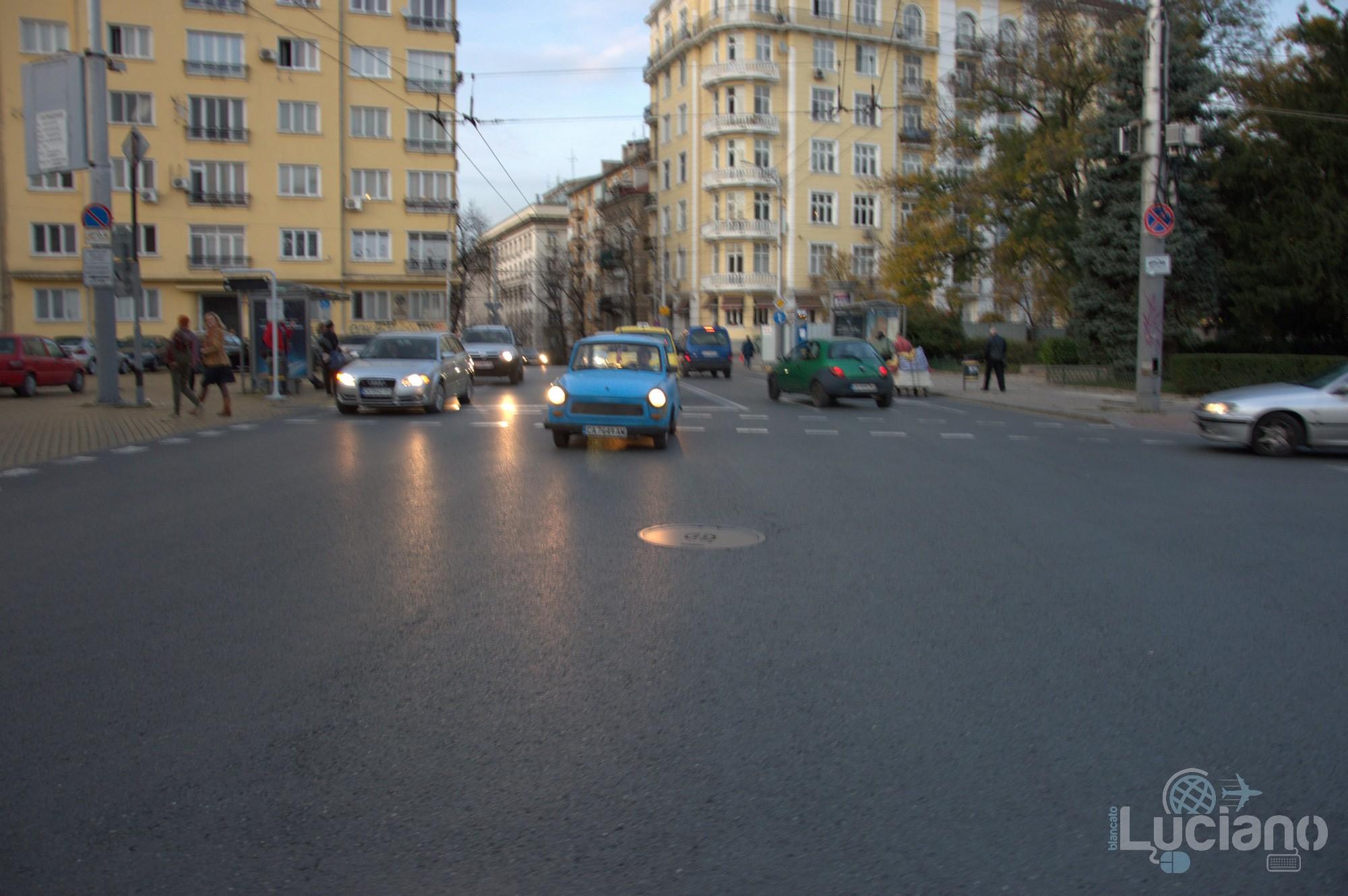 In giro per Sofia - strane auto - Bulgaria