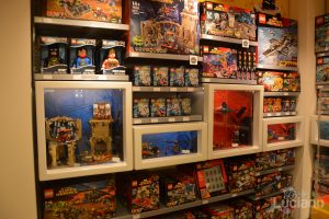 Lego Store store, zona batman e super heros - Milano - Lombardia - Italia