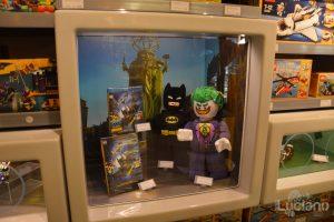 Lego Store store, zona batman e star wars - Milano - Lombardia - Italia