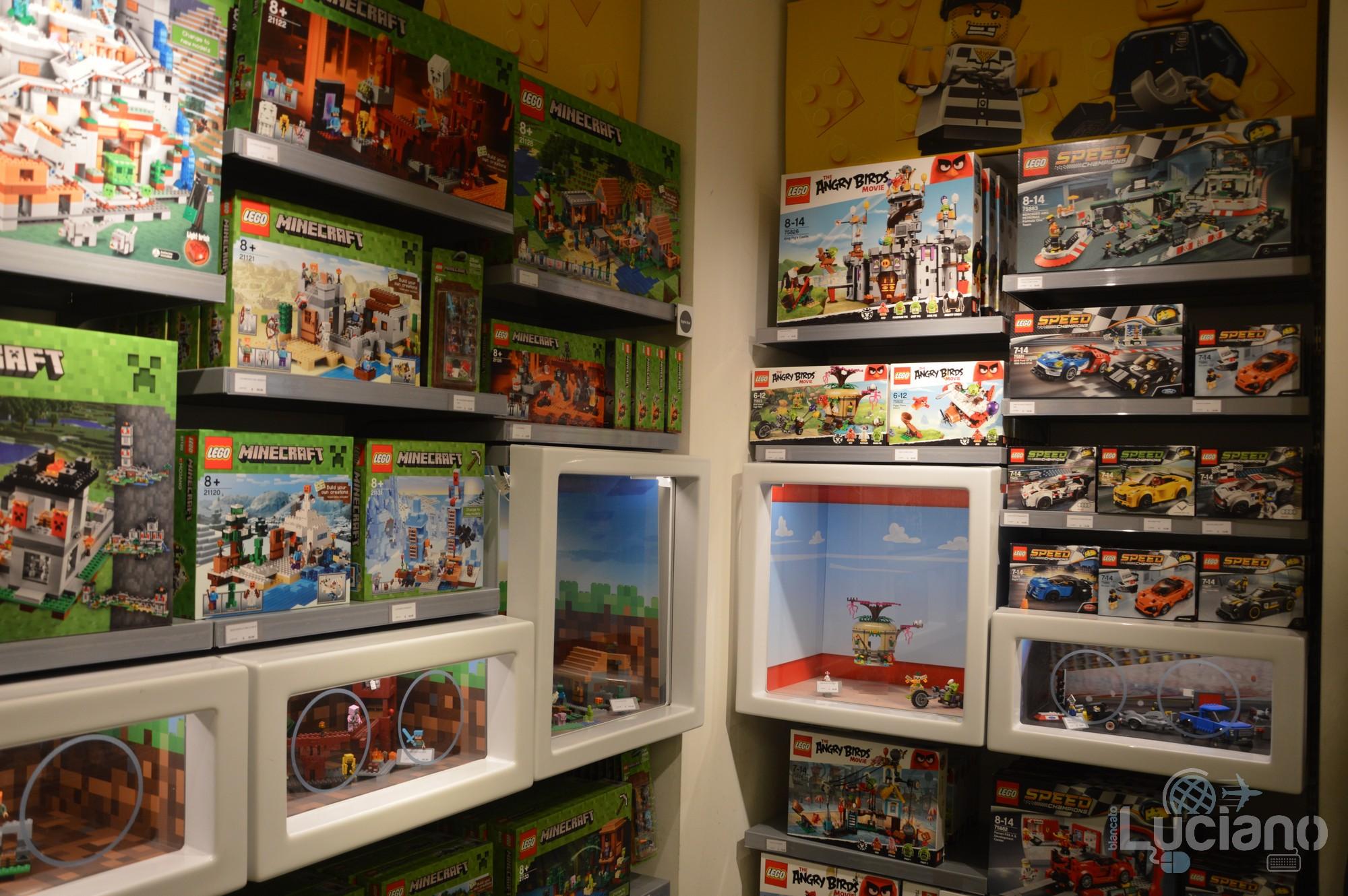 Lego Store, zona MINECRAFT e Angry Birds - Milano - Lombardia - Italia