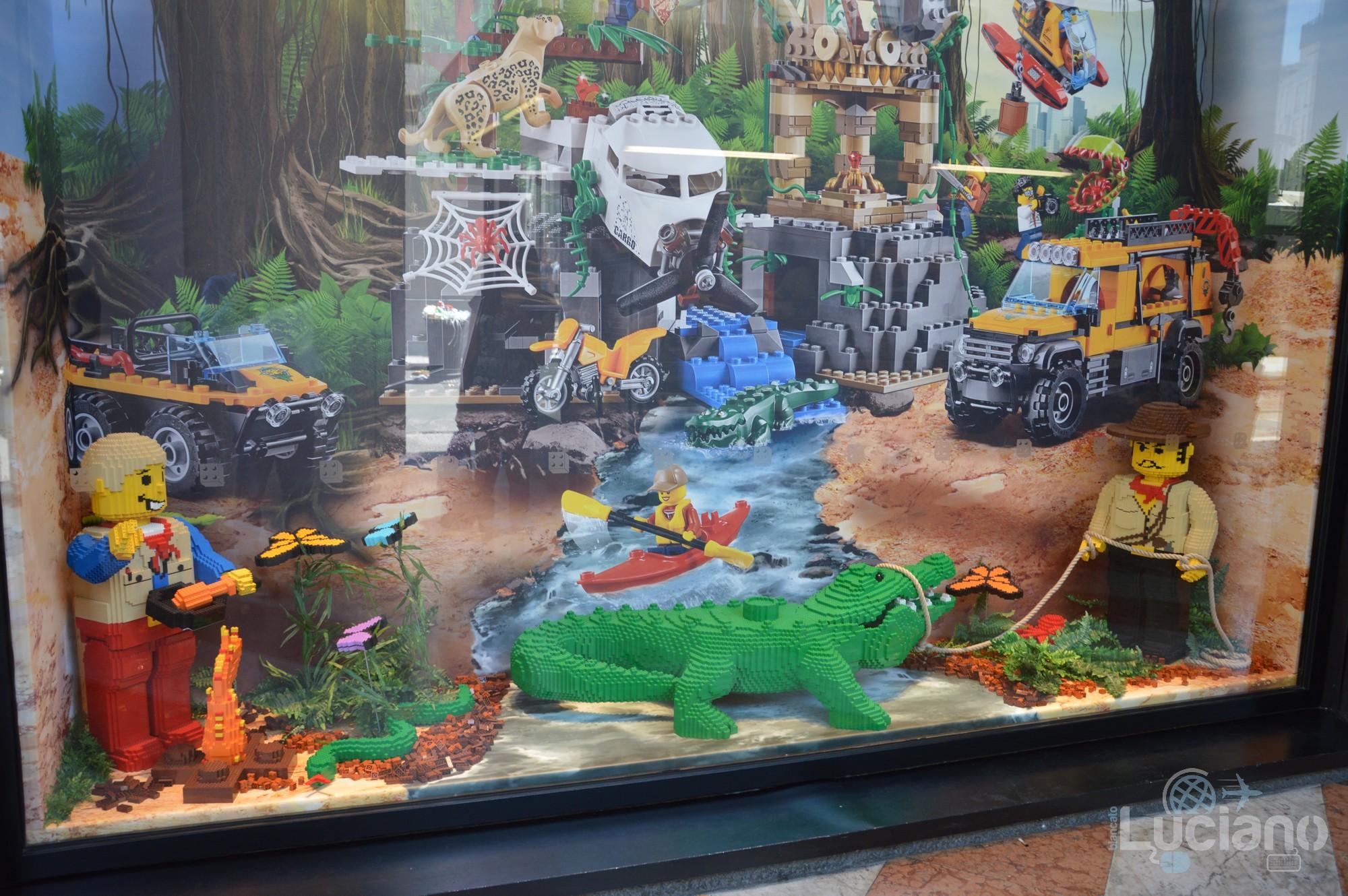 Lego Store - safari - Milano - Lombardia - Italia