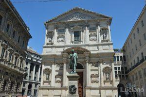 Statua Alessandro Manzoni - Piazza San Fedele - Milano - Lombardia - Italia