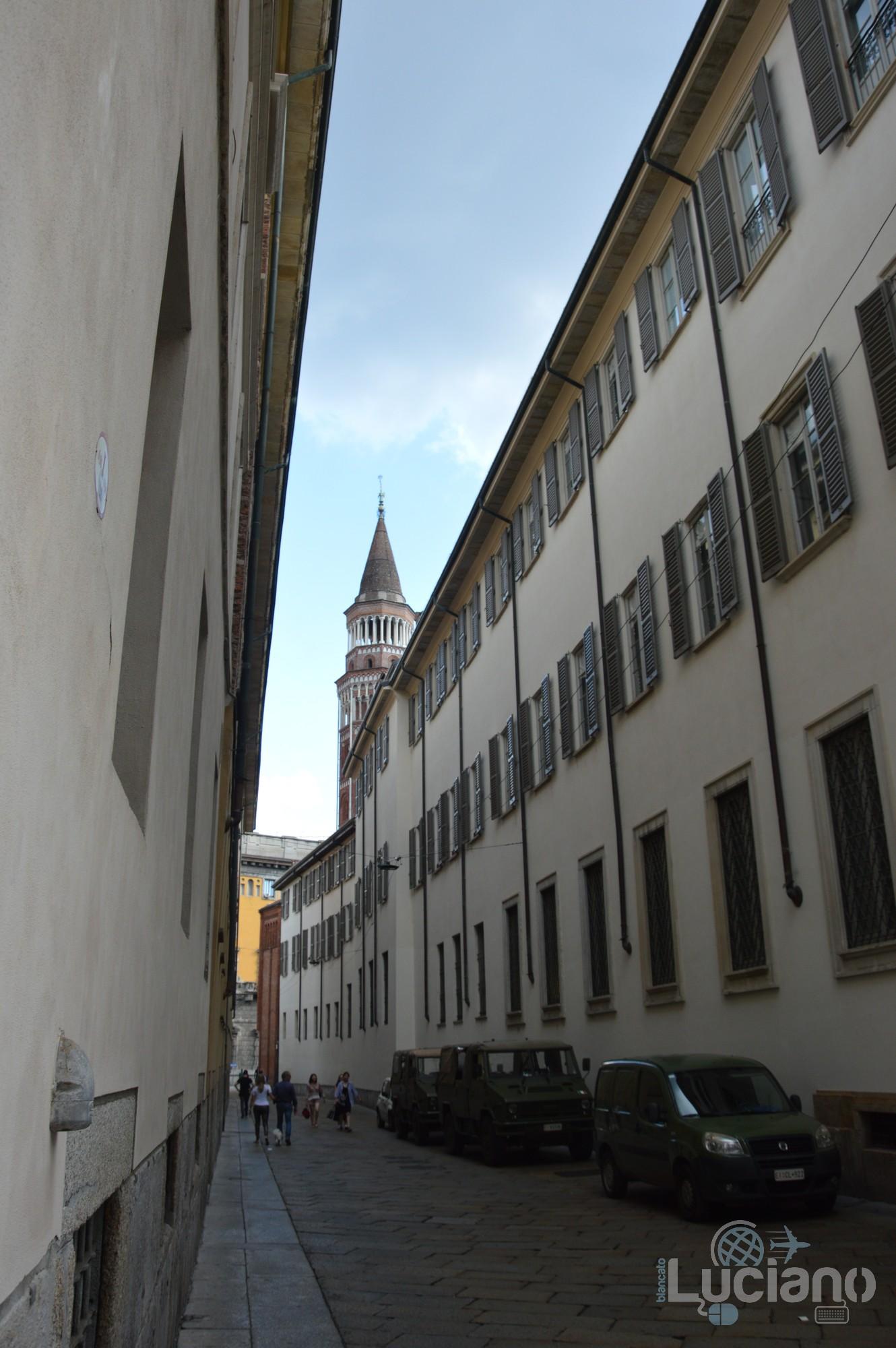 Nei dintorni del duomo di  Milano - Lombardia - Italia