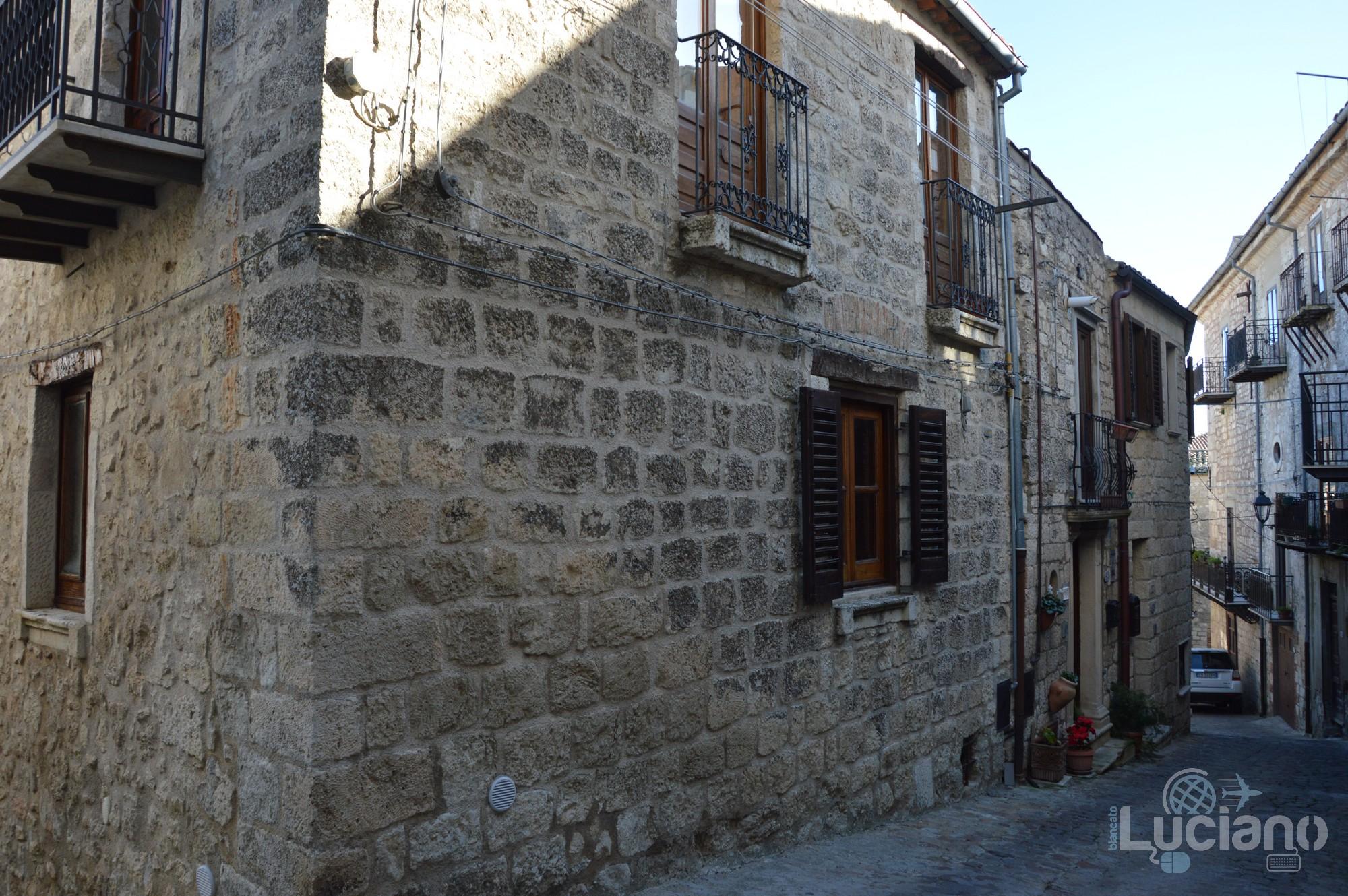 Per le vie del borgo di Petralia Soprana - Palermo -  I Borghi più belli d'Italia - Borgo più bello d'Italia 2018