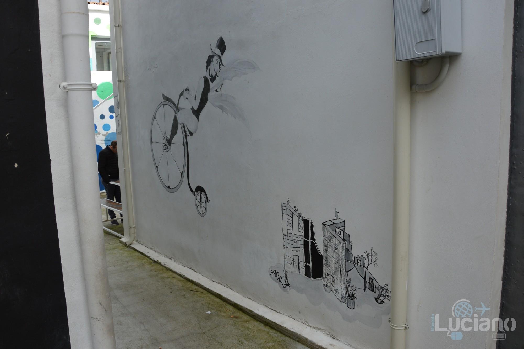 arte in giro per il Farm Cultural Park a Favara (AG)