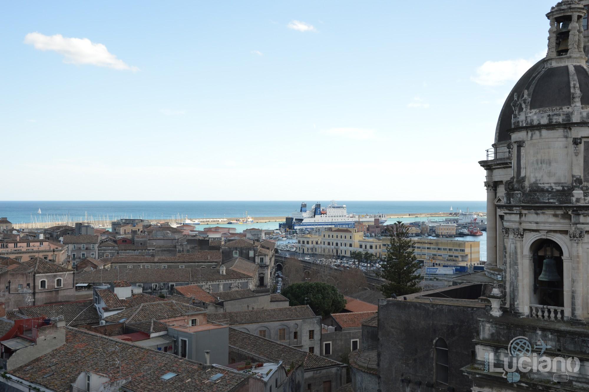 Vista del porto di Catania dalla cupola della Chiesa della Badia di Sant'Agata, durante i festeggiamenti per Sant'Agata 2019 - Catania (CT)