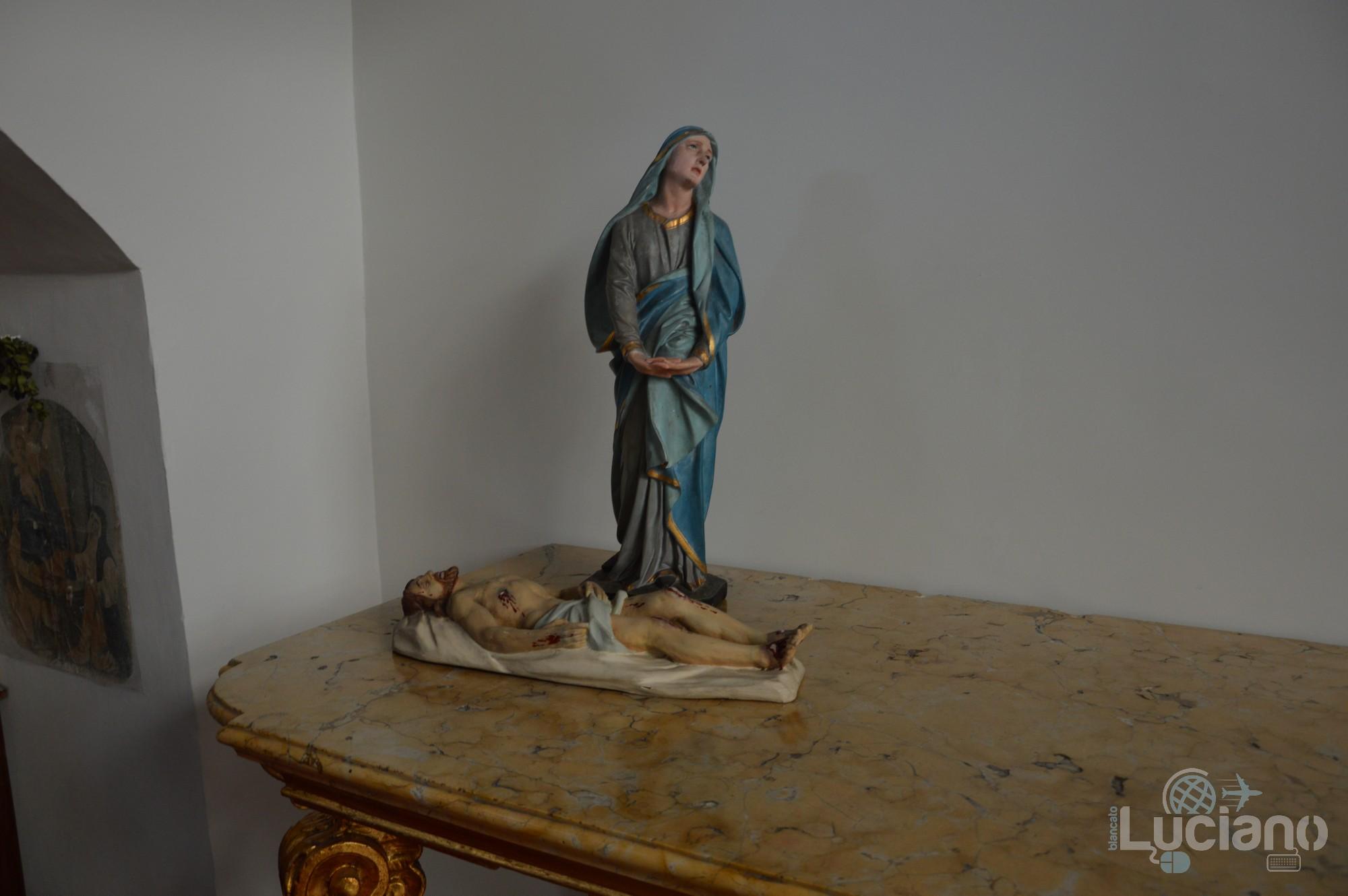 Statua della Madonna e Cristo, presso Chiesa della Badia di Sant'Agata, durante i festeggiamenti per Sant'Agata 2019 - Catania (CT)