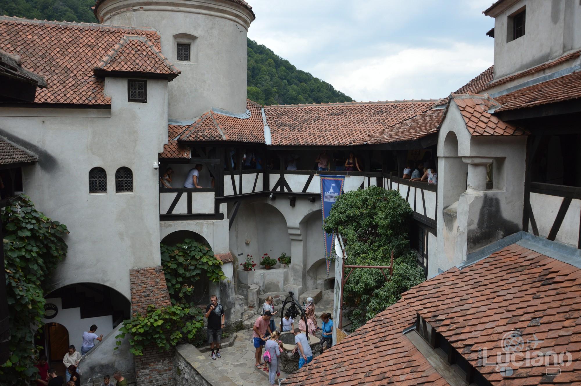 castello-di-dracula-castello-di-bran-luciano-blancato (106)