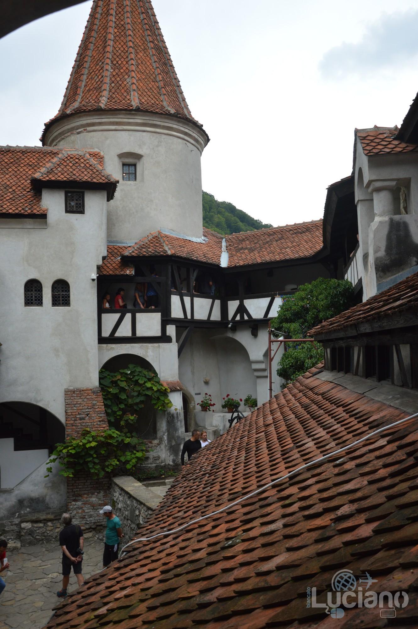 castello-di-dracula-castello-di-bran-luciano-blancato (37)