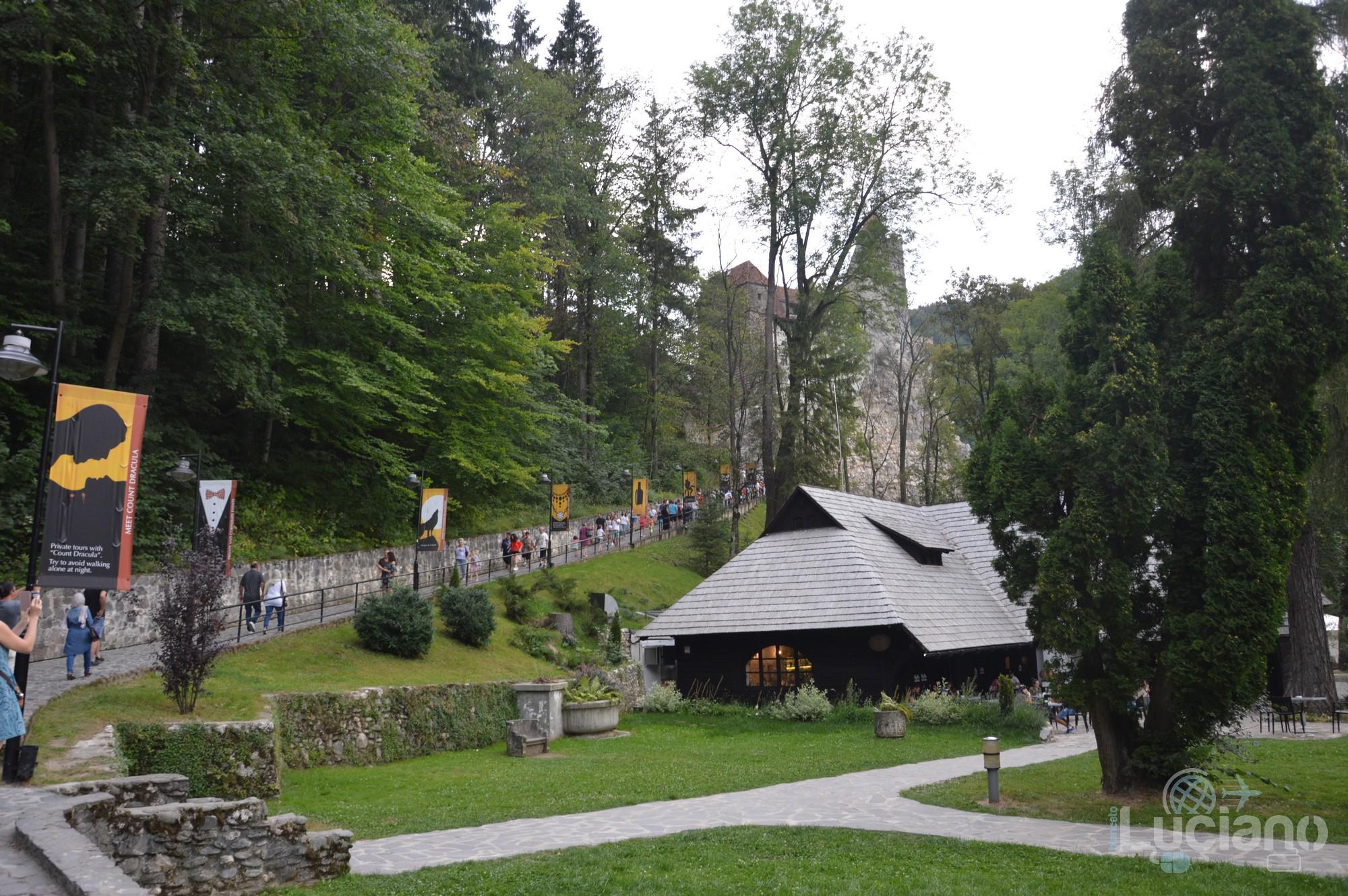 castello-di-dracula-castello-di-bran-luciano-blancato (5)