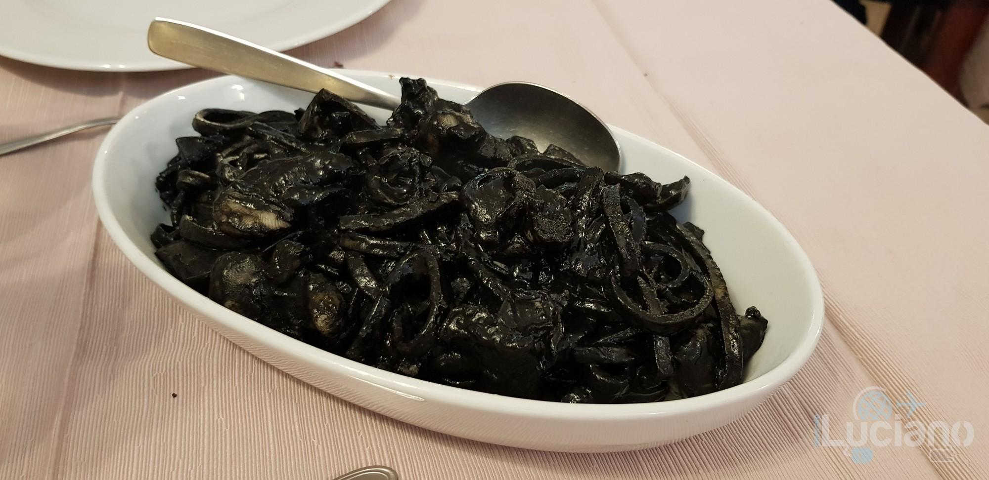Trattoria Catania Ruffiana - Pasta al nero di seppie