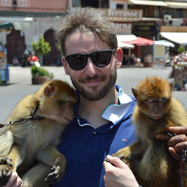 In giro per Marrakesh 🇲🇦 si fanno anche questi incontri 😜 😁 😂 #marrakech #morocco #maroc #travel #moroccan #marruecos #photography #marocco #like #marocaine #kenitra #marrakesh #africa #moroccotravel #follow #travelblogger #instatravel #thexeon #blogger #InstaTags4Likes #italianblogger #travelinfluencer #فاس #المغرب #medina #Марокко #rabat #visitmarrakech #visitMorocco #marrakechMedina